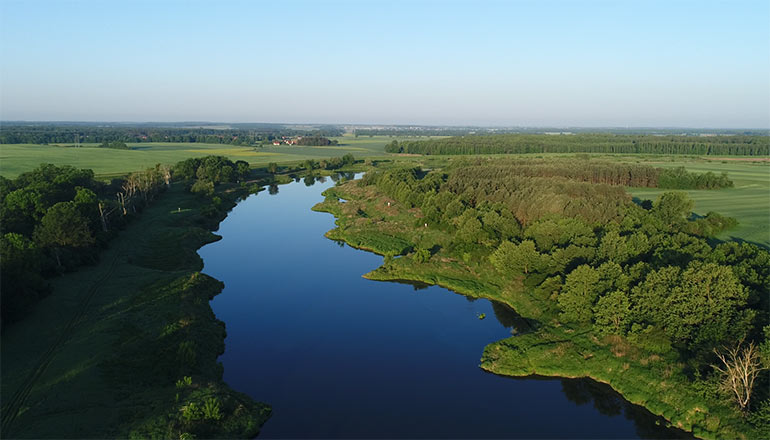 Ujęcia z drona na sprzedaż - Rzeka odra - film 2