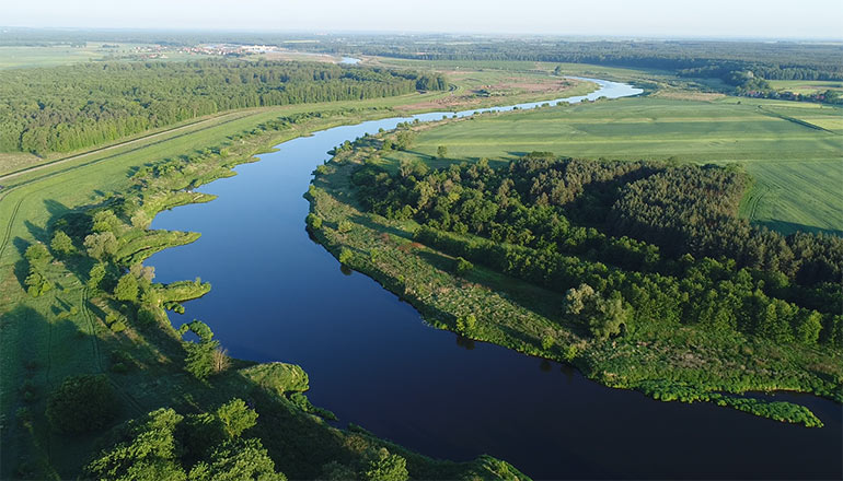 Ujęcia z drona na sprzedaż - Rzeka odra - film 1