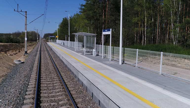 Ujęcia z powietrza na sprzedaż - stacja kolejowa w Gorzelinie