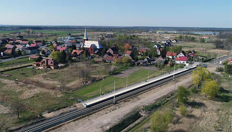 Ujęcia z lotu ptaka na sprzedaż - Stacja kolejowa w Rzeszotarach