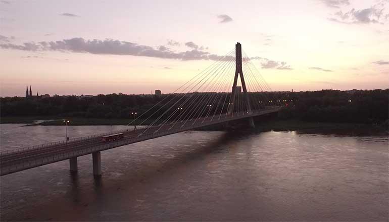 Ujęcia z drona na sprzedaż - stock video - Most Świętokrzyski w Warszawie