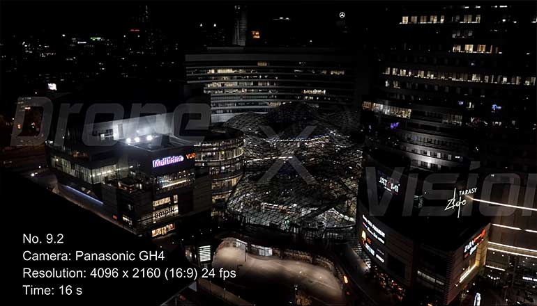 Filmy z drona na sprzedaż - ujęcia stockowe centrum Złote Tarasy i Dworzec Centralny w Warszawie