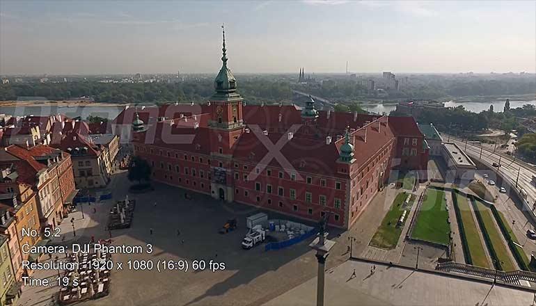 Ujęcia z drona na sprzedaż Zamku Królewskiego w Warszawie - Stock video