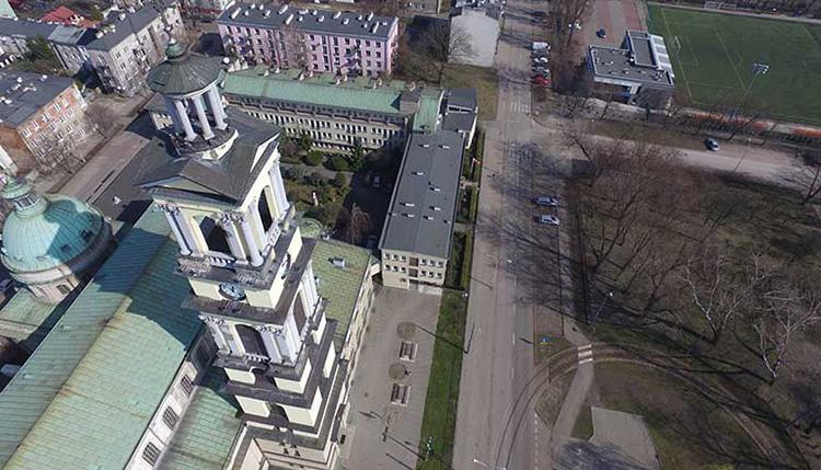 Zdjęcia z drona do tworzenia modeli 3d architektury i elementów infrastruktury