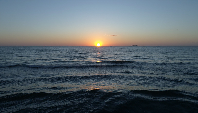 Ujęcia z lotu ptaka na sprzedaż - Natura - Morze i plaża o wschodzie i zachodzie słońca