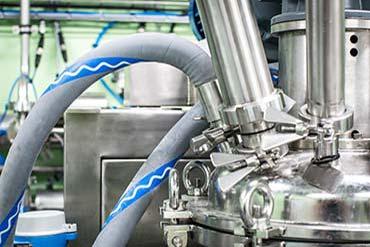 Zdjęcie instalacji przemysłowej w fabryce - Drone X Vision