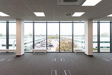 Drone X Vision - zdjęcie budynku biurowego na warszawskim Żeraniu