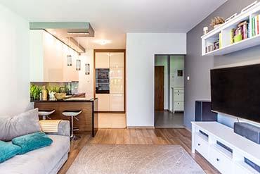 Zdjęcie wnętrza mieszkania w bloku na sprzedaż