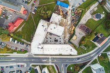 Drone X Vision - Zdjęcie z drona - fotografia placu budowy hotelu